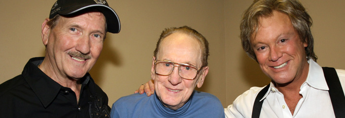 Stars Pay Tribute To Les Paul